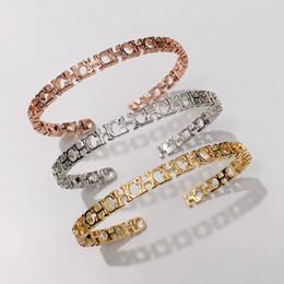 Art und Weise CH-Buchstabe-Armband-Skeleton-Armband-Titanstahl überzogener Schmucksachen 18K Rose Gold von Fabrikanten