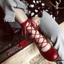 2019 вырезать плоские туфли Натуральная кожа Criss Cross Bandage Одиночные туфли для женщин Rome Style Cut Балетки Летние пинетки