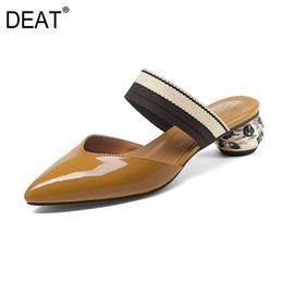 Tacones agudos online-[DEAT] 2019 Nueva primavera verano Sharp Toe Banda elástica Strange High Heels Zapatillas Zapatos de mujer 41 42 43 Tamaño moda marea 10SJ271