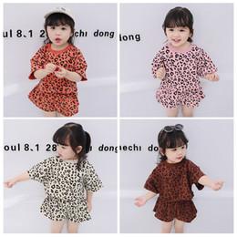 Menina de shorts de leopardo on-line-Meninas do bebê Conjuntos de Roupas de verão Leopardo Camisas Shorts 2 pcs Conjunto de Manga Curta Crianças Roupas Causal Verão Roupas de Bebê terno KKA6980
