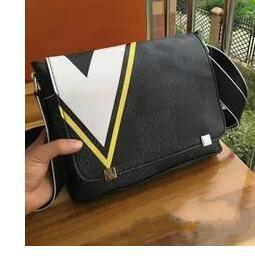 Bolso de diseño remache negro online-30 CM marca diseñador hombres bolso de cuero genuino negro maletín portátil bandolera bolsa de mensajero