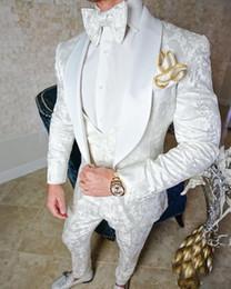 2019 trajes de lana pico desgaste tuxedos Trajes de boda de esmoquin vintage Trajes de encaje de tres piezas 2019 Traje de novio personalizado (chaqueta + pantalón + chaleco + lazo) Traje de novio de corte clásico