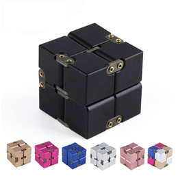 Недавно премиальный металлический Бесконечный куб непоседа игрушка алюминиевая деформация волшебный Бесконечный куб непоседа игрушки стресс-питчер для EDC тревоги (Розничная торговля от Поставщики алюминиевый куб
