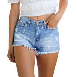 2020 calção jeans estreita 2019 novo verão denim quente das mulheres casual franjas jeans buraco apertado zíper senhoras calças quentes shorts 4.22 desconto calção jeans estreita