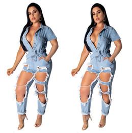 2019 mulheres quentes jean curto Mulheres Rasgado Denim Macacão de Manga Curta Buraco Rompers Caixilhos Oco Out Calças Soltas Verão Sping Roupas Plus Size Jeans Lavados Hot DHL 600 mulheres quentes jean curto barato