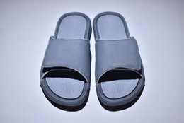 new popular sandals Coupons - Popular Women Men Slippers Sandals Designer New Fashion White Black Blue Red Grey Slippers For People With Box