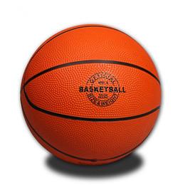 Salto de goma online-1 pieza tamaño 1 3 Niños saltando pelota de baloncesto niños material de goma accesorios de baloncesto tamaño estándar para juegos al aire libre # 15145