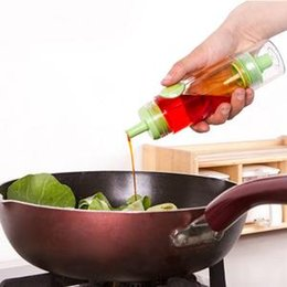 Бутылка с уксусом для уксуса онлайн-Творческий Бутылка Масла Push-type Регулируемая Бутылка Соевого Соуса Кухня с Соплом Герметичность Масляный горшок Уксус Спрей Приправы Бутылка RRA356