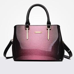 borsa di disegno della nuova ragazza Sconti Nuove borse di cuoio delle donne di modo Borse europee di spalla delle signore della pelle verniciata di disegno Borsa femminile di lusso della borsa a tracolla di marca della ragazza