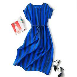 Canada 19 printemps et en été nouveau design original lâche grande taille manches chauve-souris bleu marine rayures verticales robe de soie Offre