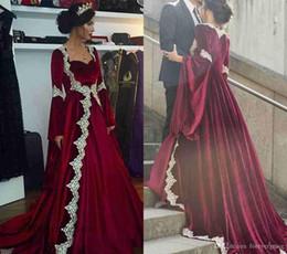 2019 robes de soirée modestes et peu coûteuses 2019 nouvelle arabe Dubaï manches longues caftan robe de soirée Vintage Modeste pas cher Bourgogne formelle célébrité robe de soirée sur mesure, plus la taille promotion robes de soirée modestes et peu coûteuses
