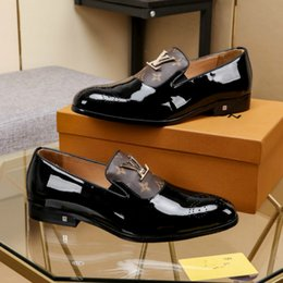 cuñas coreanas tacones sandalias Rebajas zapatos casuales de los nuevos hombres de negocios de cabeza transpirable zapatos de hombre zapatos de vestir salvaje (con la bolsa de la caja + de polvo)