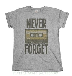 Never Forget Retro Music Cassette Tape Mens / Ladies T Shirt Regalo di Natale Fashion Summer Paried Tshirts da magliette di moda di natale fornitori