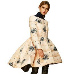 Casaco de itália para baixo on-line-Alta Qualidade Itália Fashion Designer 2019 Brasão de Luxo Mulheres Winter Genuine Duck Down Parka Jacket Asymmetric Impresso Saia Parka