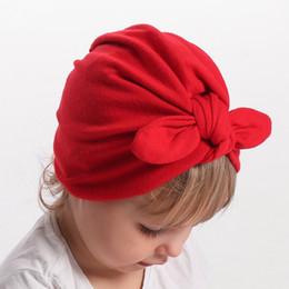 Inverno infantil de lã de veludo chapéu morno tampas do bebê recém-nascido halogênio cabeça cap super outono inverno arco forma chapéu de Fornecedores de veludo de lã