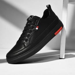 Clássico vestir-se on-line-SUROM sapatos de couro Casual Men Branco Lace Up Classic Moda Masculina Sapatos Preto Flats Masculino Confortável respirável