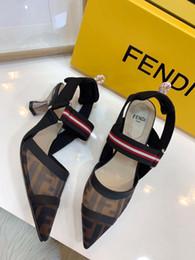 2019 peep toe rose chaud talons hauts 2019 designer riveté sandales de sport luxe diamant marque hommes et femmes loisirs sandales mode en cuir en plein air plage homme femmes chaussures