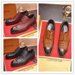 Argentina Diseñador de moda de gama alta marca L zapatos de hombre de calidad superior de lujo Cattlehide hombres vestido zapatos famosos hombres zapatos de cuero casuales tamaño 39-45 supplier quality dress shoes for men Suministro