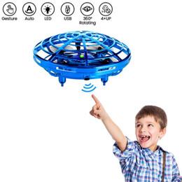 летающая игрушка для слинга Скидка НЛО летающий шарик игрушка, антигравитационное ручное управление подвеска вертолет игрушка, инфракрасный индукционный интерактивный беспилотник крытый самолет игрушка