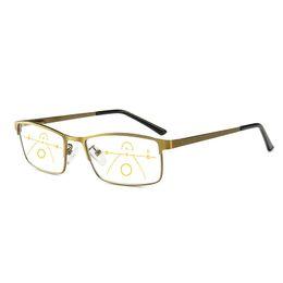 761a555ba 2019 Anti Azul Óculos de Leitura de Luz Homens Multifocais Progressivos Óculos  Mulheres Perto de Visão Distante Liga Frame Óculos Dioptria