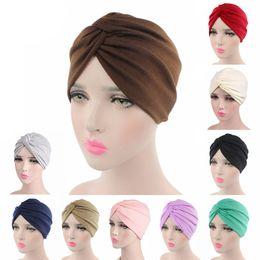 Sombrero de las mujeres islámicas online-Desgaste de la manera de las mujeres Turban sombreros elástico tela de algodón de la India Cap Cruz musulmán bufanda interior del tapón de cabeza islámica turbante Wrap / PT