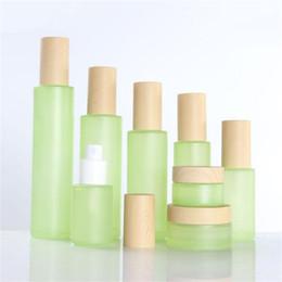 косметические бутылки зеленый Скидка 20 мл 30 мл 40 мл 60 мл 80 мл 100 мл 120 мл Зеленый матовое стекло крем банку туман спрей лосьон насос бутылка с деревянными крышками крышки косметический контейнер