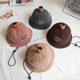 Beanie del pescatore all'ingrosso online-Regali di Natale per bambini pescatore cappelli 4 bambini di colore del cappello della peluche dei bambini del fumetto caldo di inverno pescatore Parte cappuccio di Natale TJY985 all'ingrosso