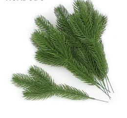 Decorazioni del ramo di natale online-Rami di pino artificiali piante finte fiori albero di Natale artificiale per albero di Natale ornamenti decorazioni GB741