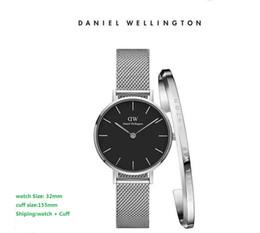 Luxus Mode Uhren Manschette Armband Frauen Spezielle Design luxus Armbanduhr beliebte dame uhr stahlgitter uhr Uhren De Marca Mujer von Fabrikanten
