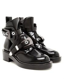 calçados planos do bootie Desconto Mulheres Sapatos Botas de Couro Tornozelo Botas de Equitação Gladiador Bootie Flats Recorte Quadrado Calcanhar Fivela Runway Botas Para Mulher Size42