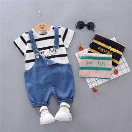 2019 niños tirantes de rayas 2019 más nuevo Hot Toddler Boy Kids Girl Top Striped T-shirt + Suspender Jeans Bib pantalones Outfit de bolsillo conjunto de ropa de bebé rebajas niños tirantes de rayas