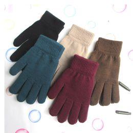 protezione antivento nero Sconti Guanti invernali da uomo all'ingrosso ispessiti, più guanti di velluto a maglia elastica a cinque dita, guanti da uomo e da donna