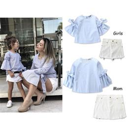 Hauts de costume de filles de couleur pure + ensemble de jupe blanche été maman et moi famille correspondant vêtements Set ? partir de fabricateur