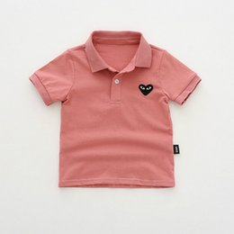 2020 stickerei t-shirt kinder Junge Kinder Designer Polo Shirts Kind Mode Summer Heart Stickerei Tops Kinder-Revers-Kurzschluss-Hülsen-Polo-Marken-T-Shirts Spitzenquanlity günstig stickerei t-shirt kinder