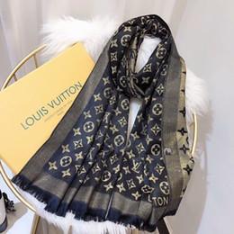 grauer fransenschal Rabatt Hochwertige Designer Schal Mode Luxus Dame Frühling und Herbst Gold Seide Baumwolle langen Handtuch Gürtel Label weich und comfortable180 * 70cm heißer Verkauf