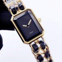 Canada 2019 Paris Fashion Show PREMIERE série montre de luxe des femmes importées suisse mouvement à quartz dames luxe robe designer montre cheap watch paris Offre