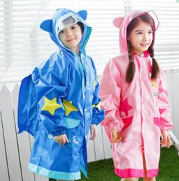 Impermeável chuva casacos meninos on-line-Capa de chuva para Crianças Crianças Bonitos Meninas menino à prova de chuva Capa De Chuva Com Mochila À Prova D 'Água Poncho Impermeáveis SSA38