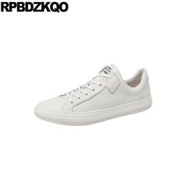 scarpe da passerella europea di marca casual in vera pelle bianca primavera di  lusso vera popolare sneakers di alta qualità scarpe da ginnastica 773809151a3