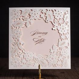 2020 casamento cortado a laser convida Laser casamento Cut Cartão Convites com quadrado branco oco Flora Para Engagement personalizado convida favor do casamento casamento cortado a laser convida barato