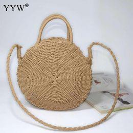 bolso de mano de ratán tejido Rebajas Beige Rattan Woven Summer Beach Bag Straw Knit Handmade Round Lady'S bolso de gran capacidad de hombro de la mujer Messenger Bag Moda