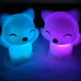 Ночная лиса онлайн-Party Favors 7 Changing Colors Lovely Fox Shape LED Night Light birthday party for a gift