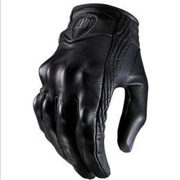 Agujero de guantes online-Elegantes guantes de cuero para motocicleta Armadura protectora Guantes cortos S TO 2XL Dedo completo sin orificio Alta calidad para deportes de equitación