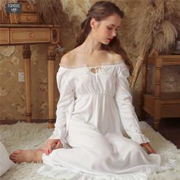 Camisón de manga larga de encaje blanco online-Slash Sexy Lace Up Wear Sueño Vestido de noche sólido Camisón vintage Camisón de manga larga Camisón de algodón blanco Ropa de dormir Mujer Camisón T347