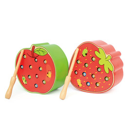 Fragola di legno online-Baby Wooden Puzzle 3D Giocattoli educativi della prima infanzia Catch Worm Gioco Color Cognitive Magnetic Strawberry Apple