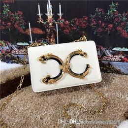 Bolso de señora europea y americana de alta calidad con letras de oro y cobre decoradas con bolso de piel para mujer desde fabricantes