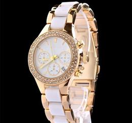 2019 senhoras relógio de ouro branco Vestido cheio de Marca Designer de Moda relógios de diamantes mulheres pulseira de cerâmica relógio calendário em aço inoxidável de