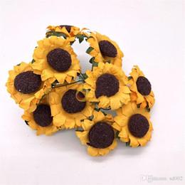 fiori di colore scuro Sconti Artificiale Sun Flower Seta girasole fai da te falso fiorellino giallo scuro colore chiaro piccolo margherita confezione regalo decorare 8ytb1