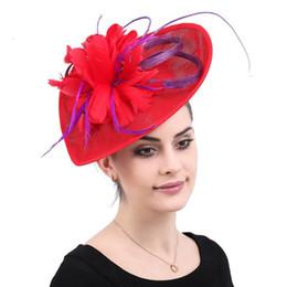 piume di cavallo Sconti Lace nuziale Cappello Cuore Red Feather Fiore Wedding Accessori per capelli Banchetto Horse Racing Festival signore copricapo Elegent Vintage