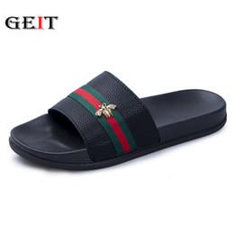 Nuevas zapatillas de verano hombres pareja sandalias de playa moda exterior interior zapatillas antideslizante piso Flip Flop estilo camuflaje desde fabricantes