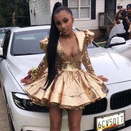 abiti spalla Sconti 2020 Abiti sexy dell'afroamericano con scollo a V oro paillettes cocktail Puffy spalla Corto Prom Dresses Pad manica lunga Homecoming Abiti